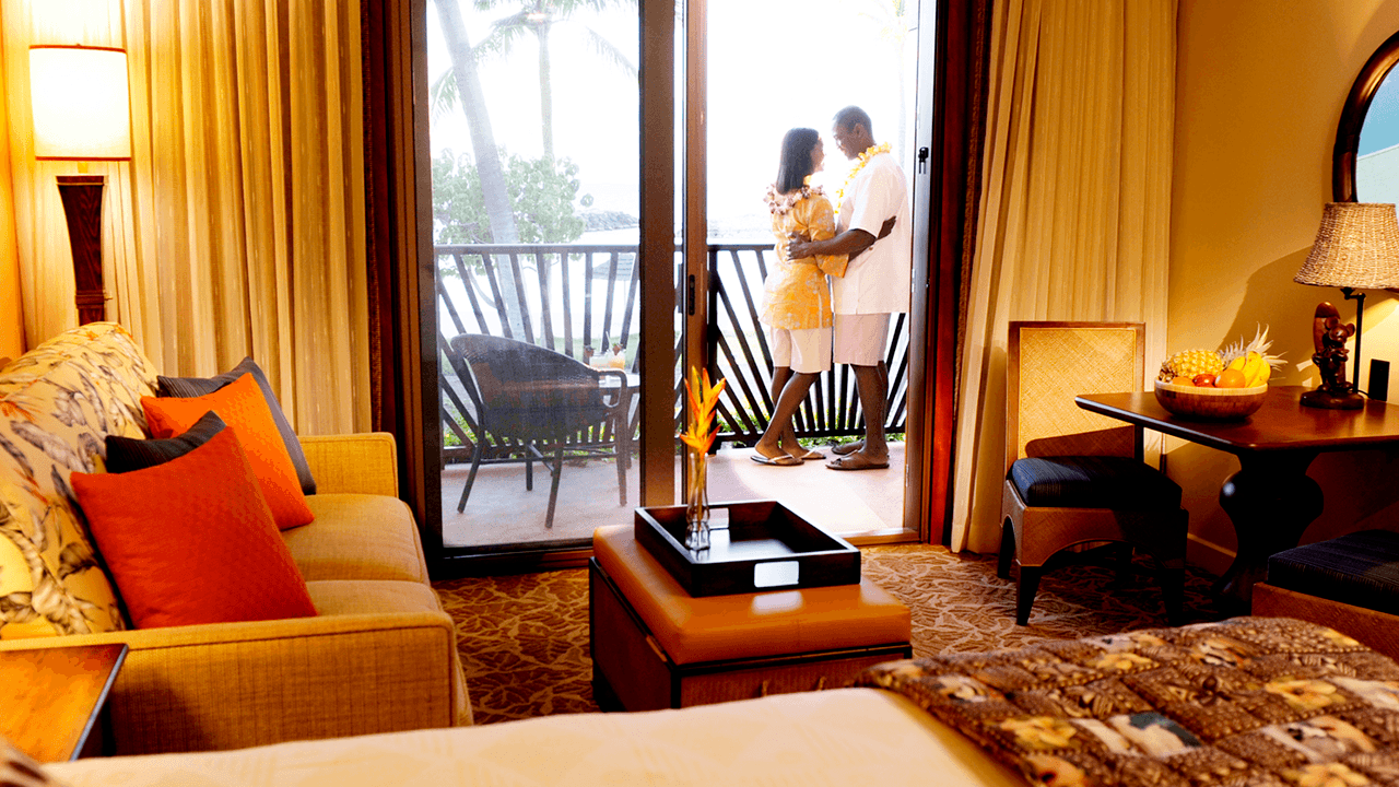 aulani-rooms-and-offers-couple-balcony-hero